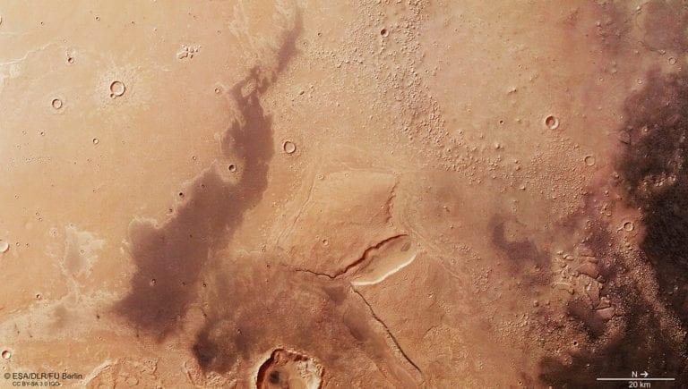 Pirámides y una civilización perdida en Marte revelados en documentos desclasificados de la CIA