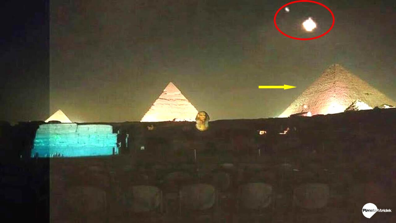 Flota de OVNIs aparecen sobre las Pirámides de Egipto