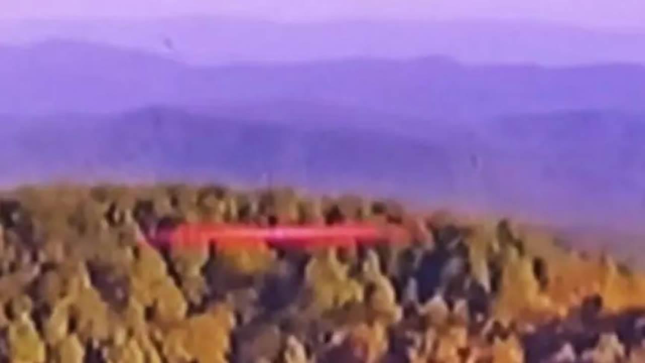 OVNI de color rojo aparece en vídeo en vivo en Carolina del Sur, EE. UU.