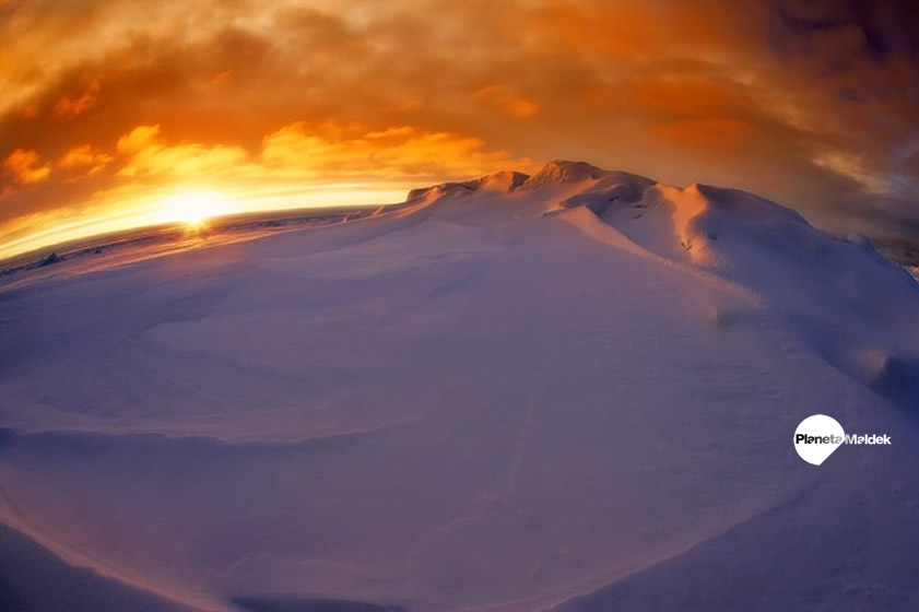 Misteriosa fuente de calor descubierta bajo la Antártida