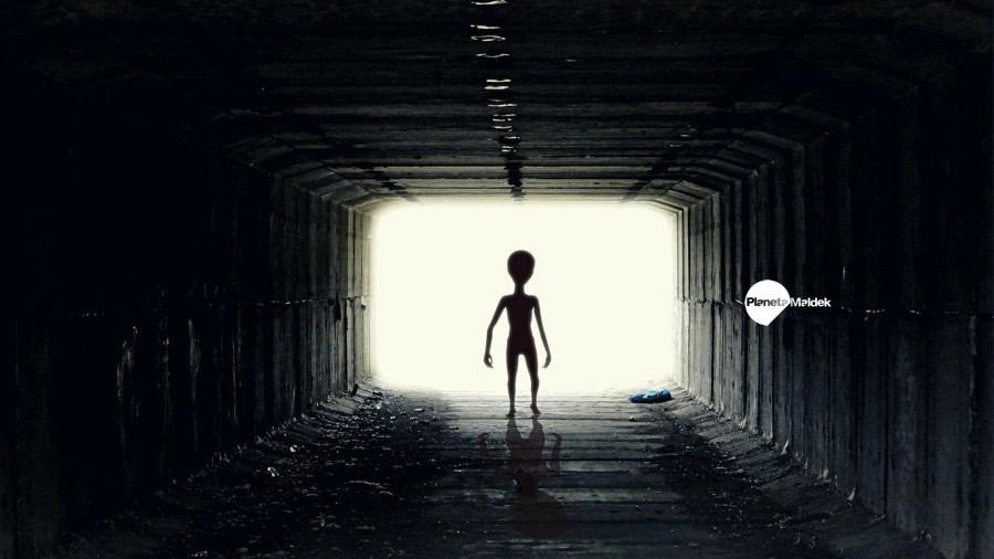 OVNIs y cuerpos de extraterrestres en poder del gobierno de EE. UU.