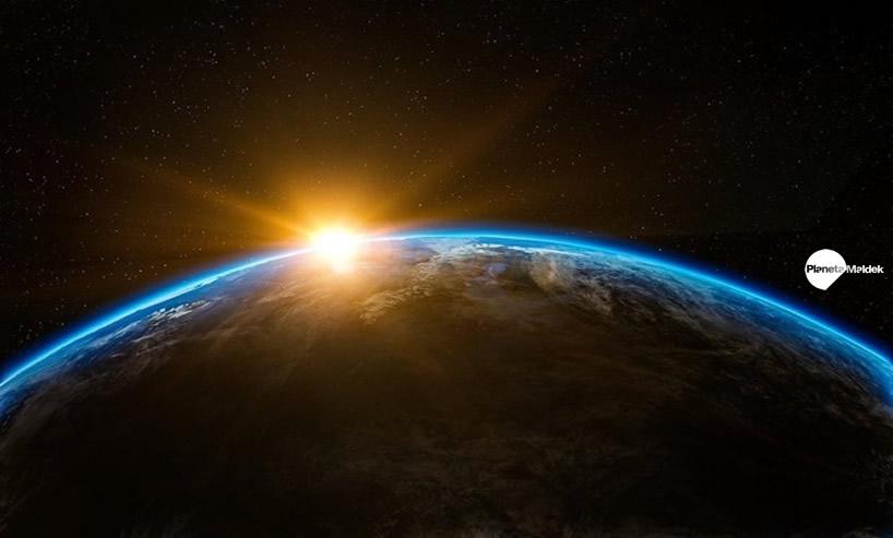 Entre la Tierra y el Sol