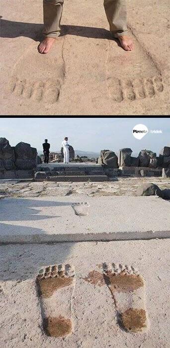 Huellas gigantes en el Templo de Ain Dara