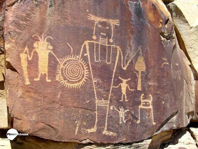 """Leyendas de Escudos voladores, dioses """"hormiga"""" y """"Tierra hueca"""": historias de los Hopi"""