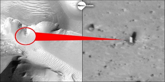 Otra vista del monolito en Marte