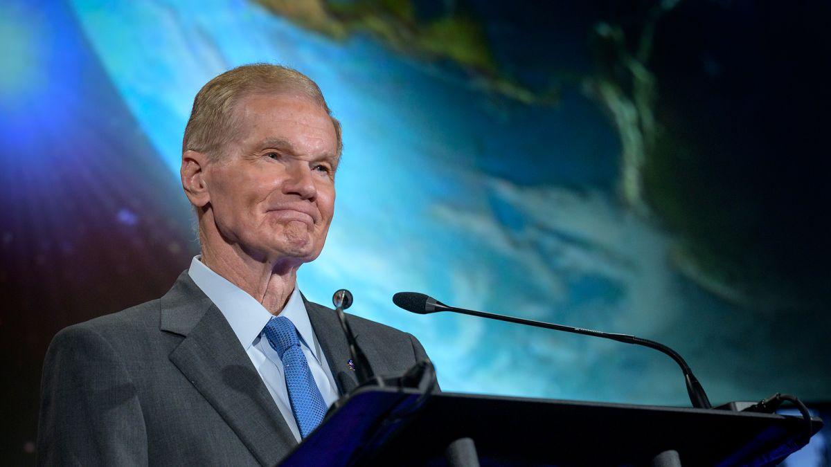 """Administrador de NASA: """"No estamos solos en el Universo o múltiples universos"""""""